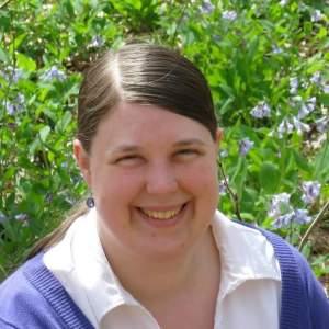 Lauren-Miller-with-bluebells.jpg